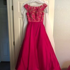 Pink Sherri Hill dress!